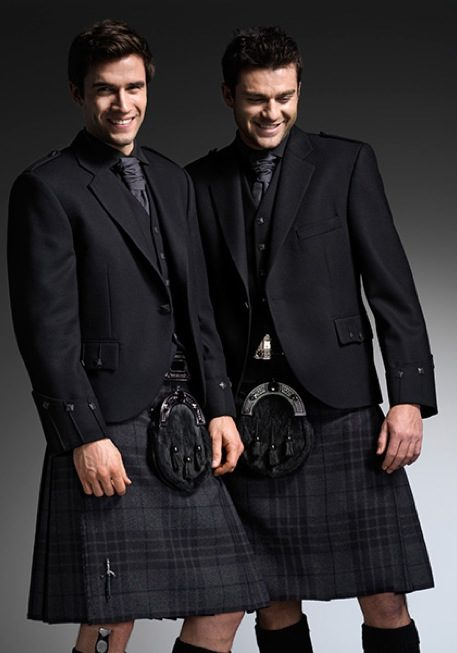 2-black-kilts-ardrossan-wedding